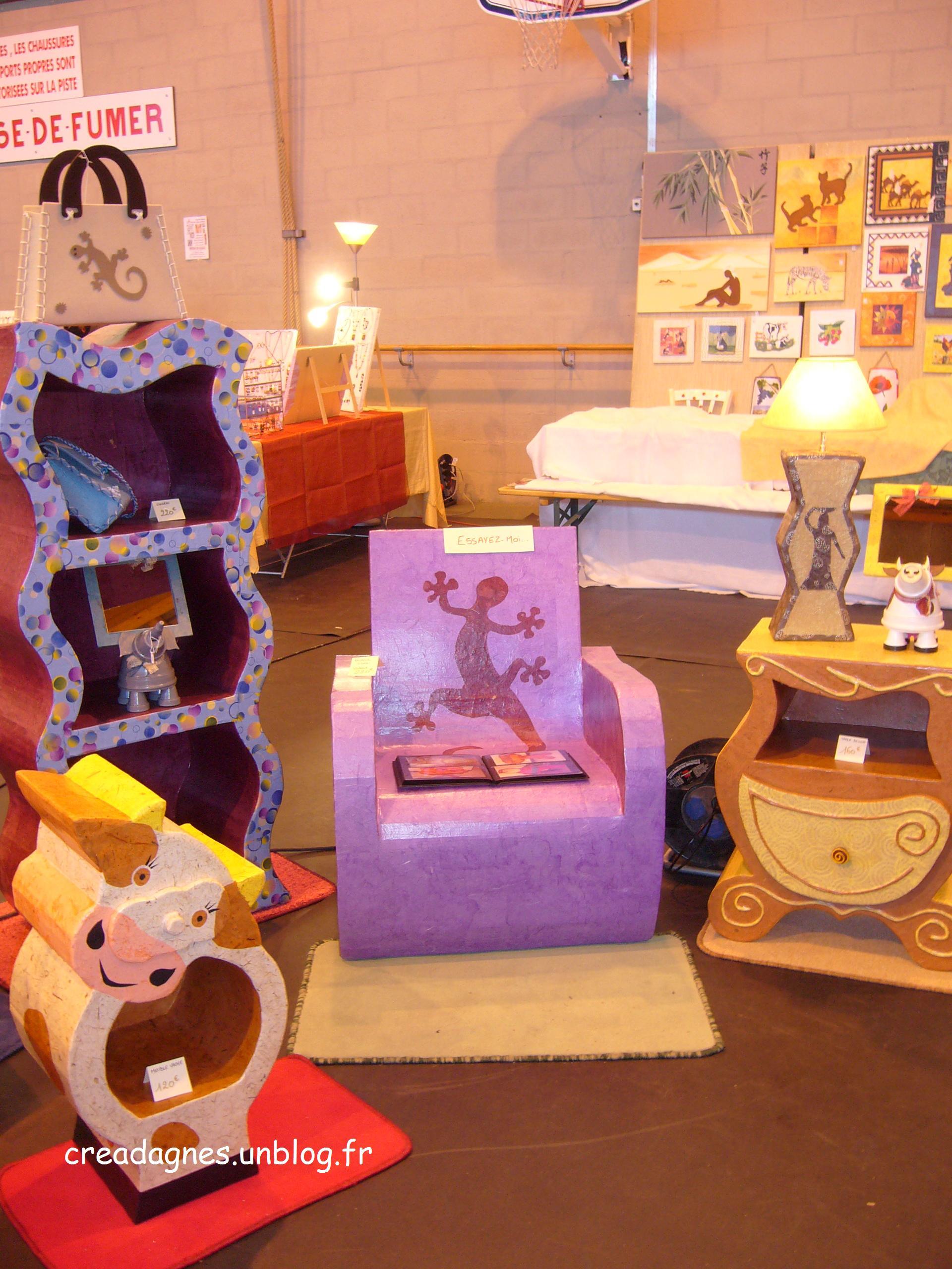 cr ation de mobilier et d objets d co en carton. Black Bedroom Furniture Sets. Home Design Ideas